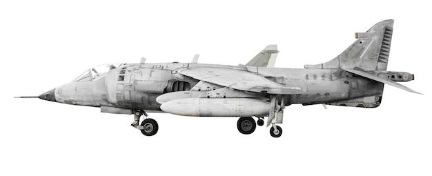 Avião a jato militar isolado na superfície branca com traçado de recorte