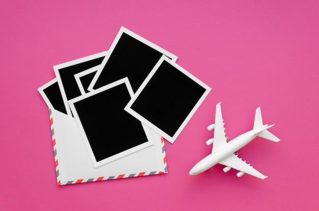 Avião com coleção de fotos