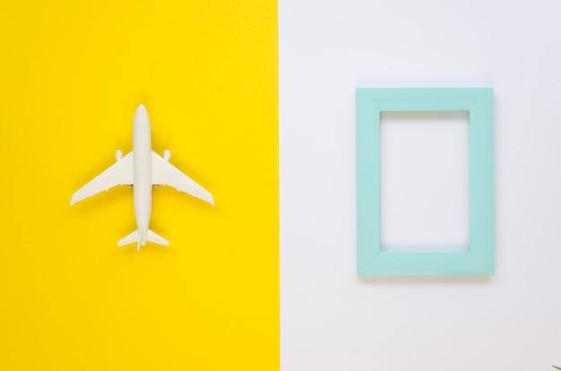 Avião e quadro de vista superior