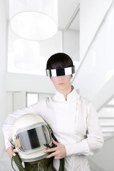 Avião futurista aeronave capacete astronauta mulher