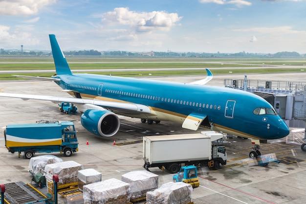 Avião no aeroporto internacional de hong kong