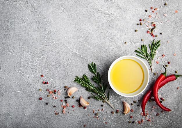 Azeite e especiarias