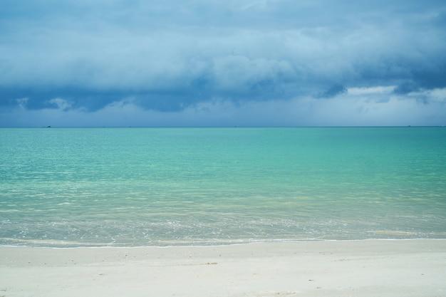 Azul confortável onda natureza do verão