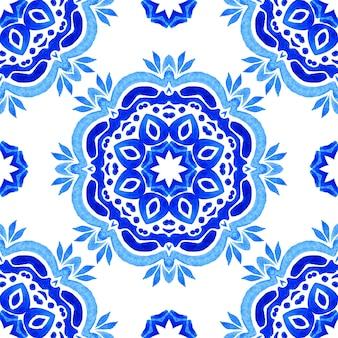 Azul e branco abstrato desenhado à mão azulejo sem costura ornamentais aquarela mandala