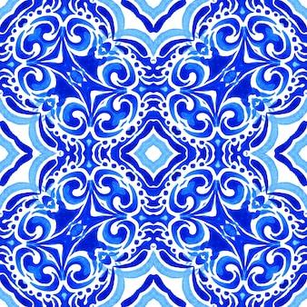 Azul e branco abstrato desenhado à mão medalhão damasco azulejo aquarela ornamental sem costura