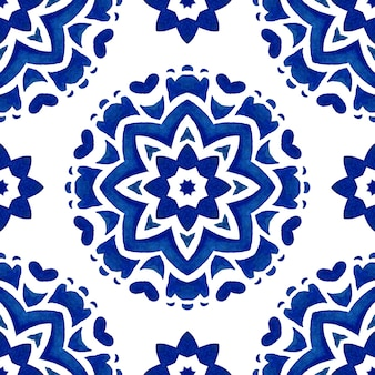 Azul e branco abstrato desenhado à mão telha padrão de mandala estrela aquarela ornamental sem emenda. textura de luxo elegante para tecidos e papéis de parede, planos de fundo e preenchimento de página.