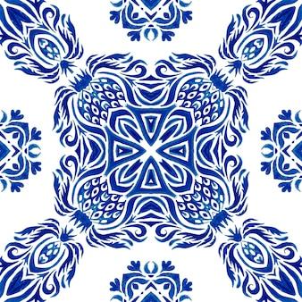 Azul e branco abstrato desenhado à mão telha padrão de pintura aquarela ornamental sem emenda. mosaico de azulejos marroquinos ornamentais turco. porcelana espanhola louça de mesa em cerâmica, estampa folk.