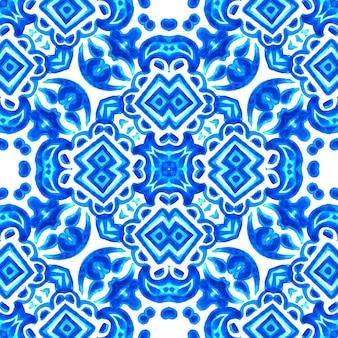 Azul e branco abstrato mão desenhada telha sem costura padrão de pintura em aquarela ornamental. textura de ondas elegantes para tecidos e papéis de parede, planos de fundo e preenchimento de página.
