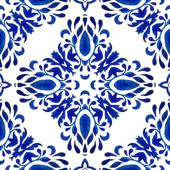 Azul e branco índigo abstrato desenhado à mão telha padrão de pintura em aquarela ornamental sem emenda. design decorativo de ladrilhos cerâmicos, melhor para utensílios de mesa, decoração de parede