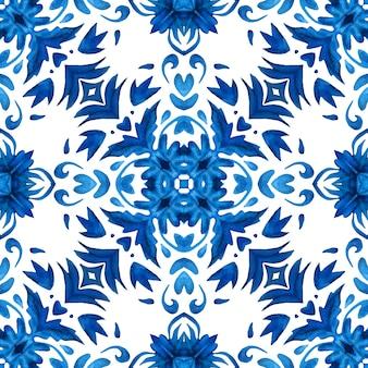 Azulejo de estilo português azulejo. projeto de telhas mediterrâneas do padrão aquarela floral azul lindo sem emenda