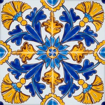 Azulejos coloridos tradicionais de malta