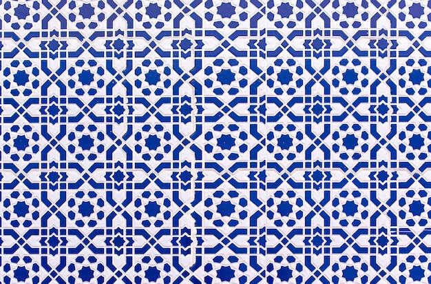 Azulejos marroquinos com padrões árabes tradicionais, padrões de cerâmica