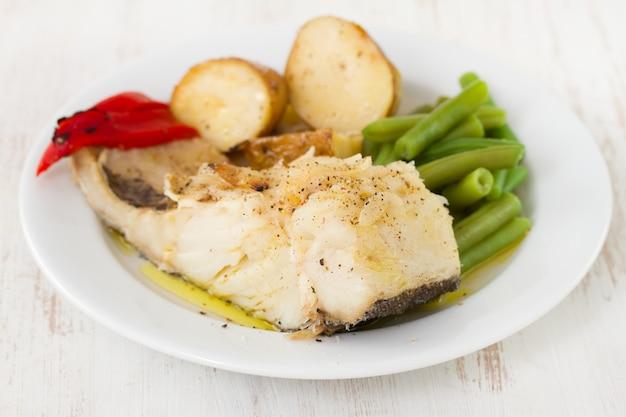 Bacalhau com batata e feijão verde