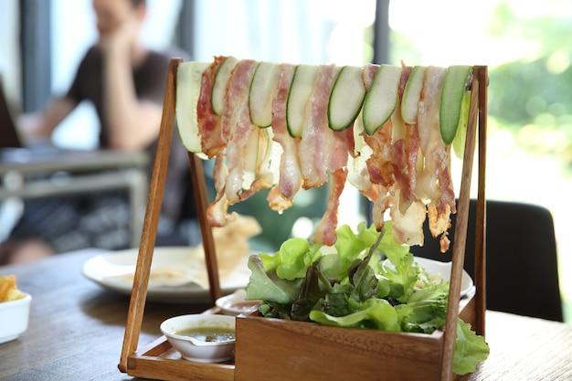 Bacon e vegetais
