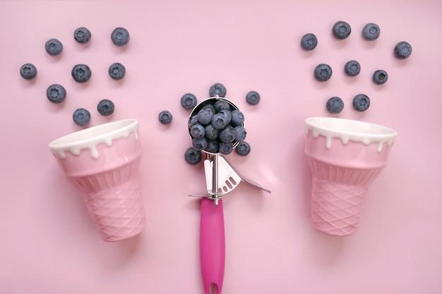 Baga de mirtilo. sorvete de baixa caloria concept.summer berry sorvete