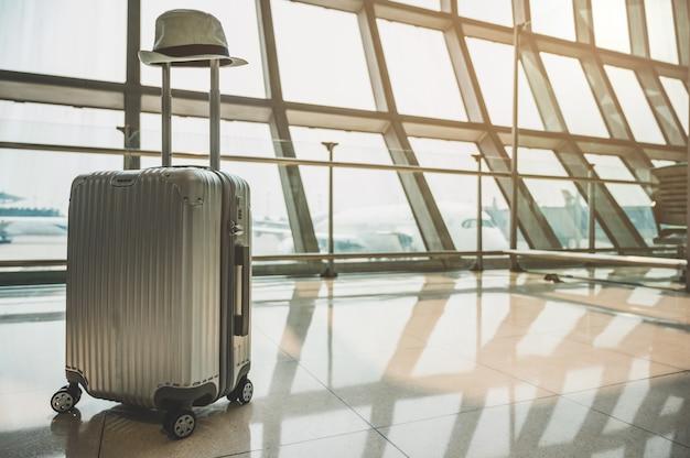 Bagagem de carrinho no aeroporto