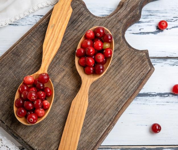 Bagas vermelhas de lingonberries maduros