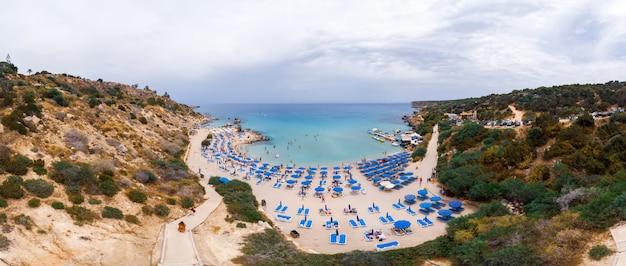 Baía de konnos em chipre