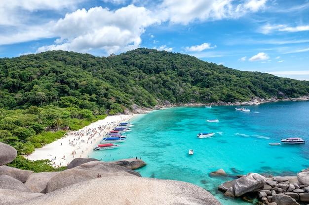 Baía de similan vela rock ilha no mar de andaman
