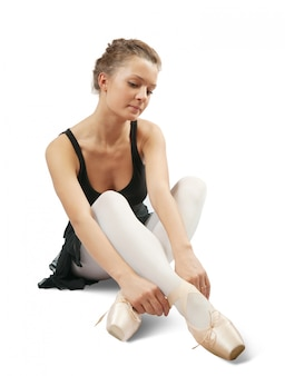 Bailarina de preto vestiu pointes