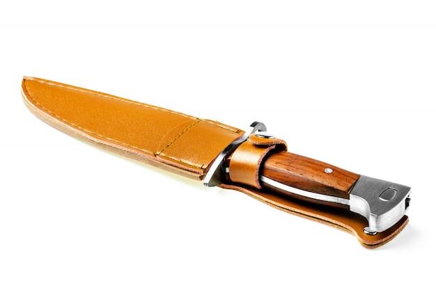 Baioneta da faca de combate do vintage isolada no fundo branco.