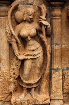 Baixo-relevo no templo hindu sri ranganathaswamy templo tiruchirappalli trichy tamil nadu índia