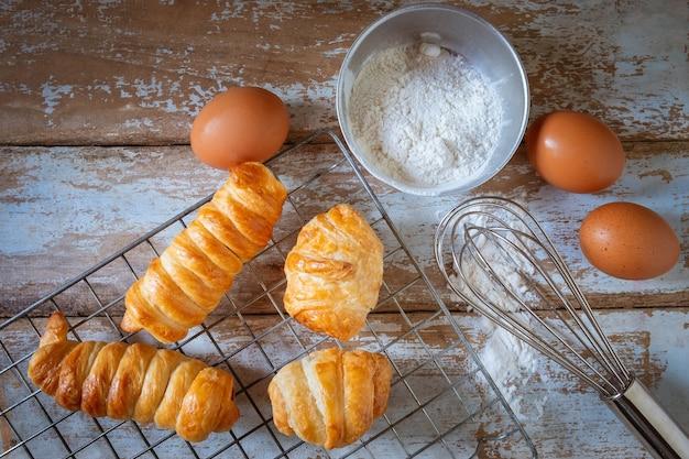 Baker cozinhar pão.