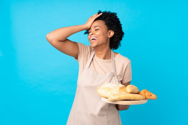 Baker mulher parede azul