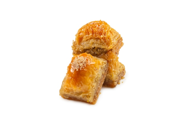 Baklava doce delicioso isolado