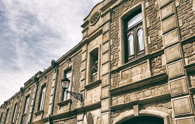 Baku, a capital do antigo edifício do azerbaijão