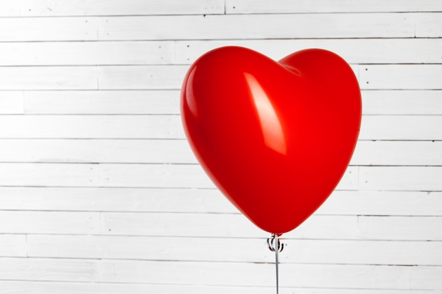 Balão de coração vermelho