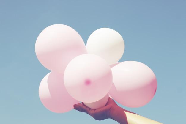 Balão no céu azul
