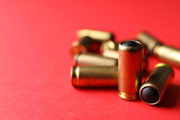 Balas de borracha em vermelho, close-up