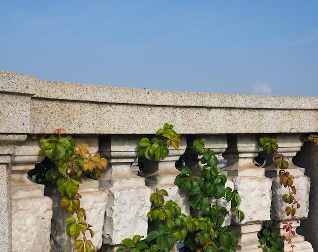 Balaustre de pedra antiga