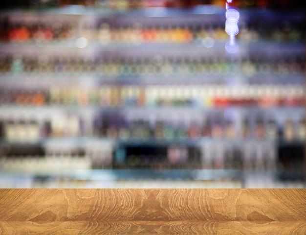 Balcão de tampo de mesa de madeira para produto de exibição em produto de cor desfocada para fundo
