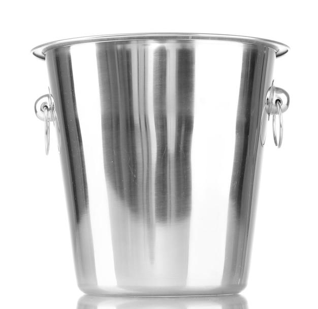 Balde vazio para garrafa de champanhe isolado em um branco