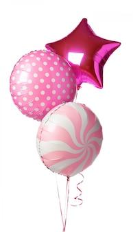 Balões coloridos brilhantes isolados