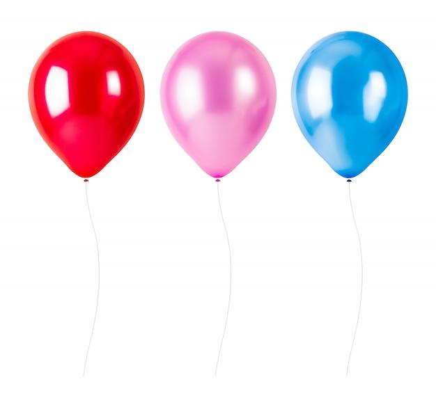 Balões coloridos com corda isolado no fundo branco