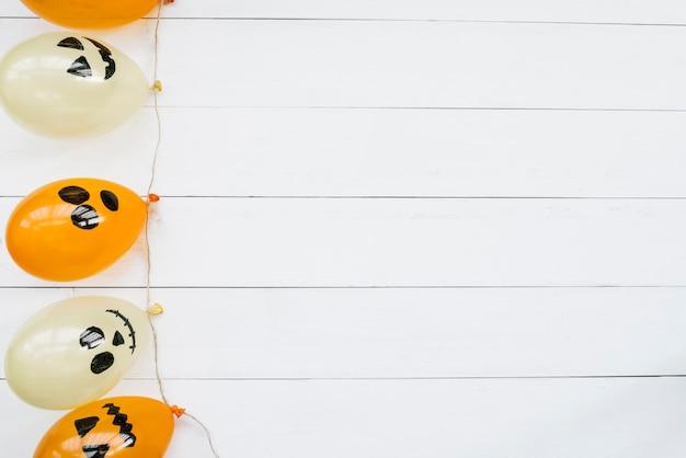 Balões de ar decorativos com rostos assustadores de halloween
