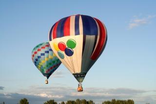 Balões de ar quente ciano