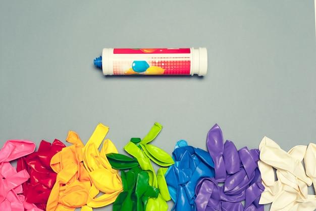 Balões de festa colorida arrengement composição fundo