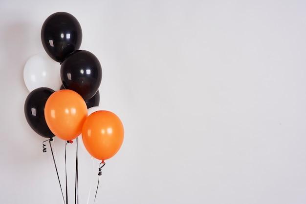 Balões de halloween com espaço de cópia
