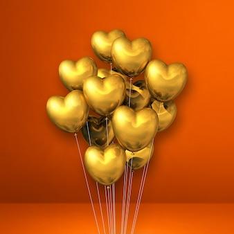 Balões em formato de coração dourado agrupados na superfície laranja
