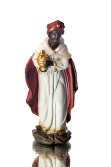 Balthazar, o terceiro dos três reis magos, isolado no fundo branco