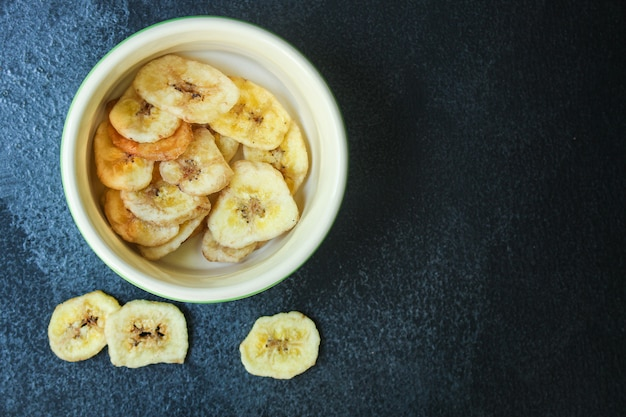 Banana chips doce alimentos secos lanche