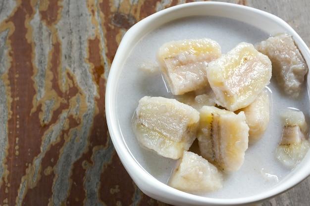 Banana em leite de coco