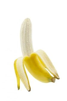 Banana madura descascada isolada no fundo branco