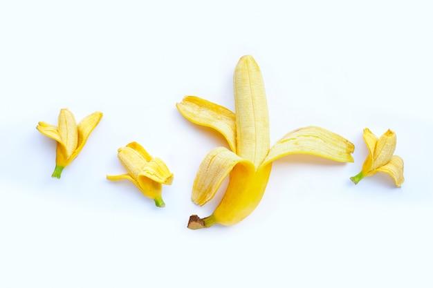Bananas de tamanhos diferentes. conceito de pênis sexual e tamanho