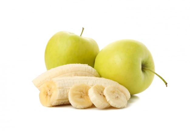 Bananas e maçã isoladas. frutas frescas