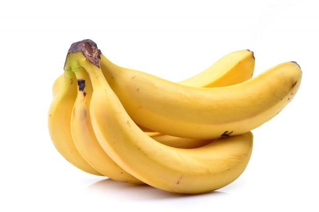 Bananas em um branco isolado
